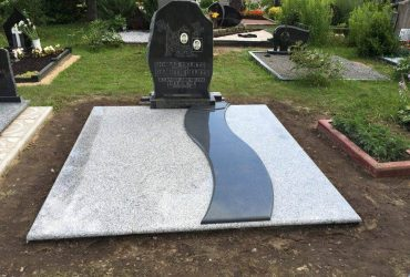Covering of graves with a stone slab
